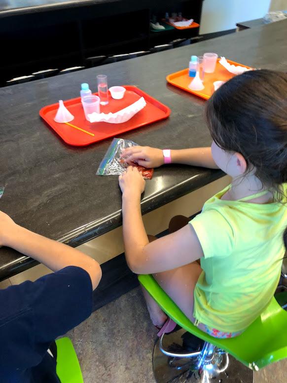 Science experiment at Exploratorium at Dallas Arboretum