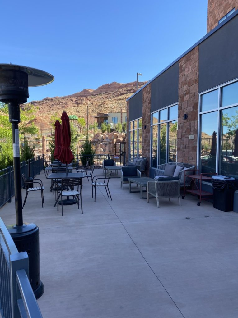 Hyatt Place Moab outdoor dining seating