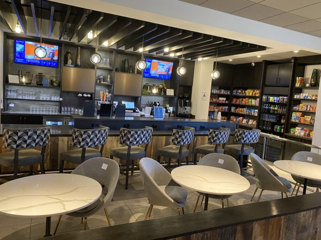 Hyatt Place Moab Indoor Bar and Store